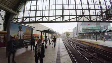 The train station in Berlin. 4K Archivo