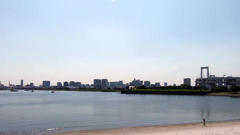 Japan city scenery. Beach in the city ライブ動画