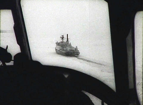 Newsreel of the USSR. The Arctic. Icebreaker Footage