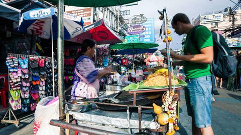 Timelapse - Street vendor in Kaoh San road, Bangkok Stock Video Footage