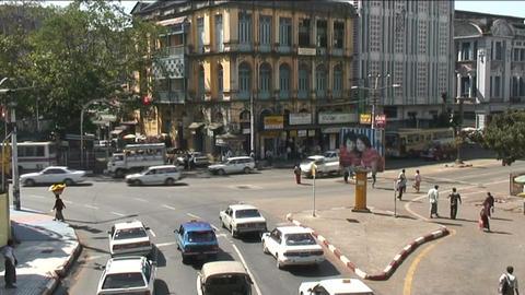 Traffic at Sule pagoda, Yangon Stock Video Footage