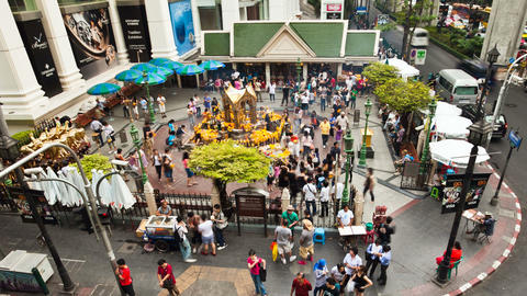 Zooming timelapse - Erawan temple in Bangkok Stock Video Footage
