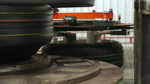 Modern automated tire forming tires machine Live Action