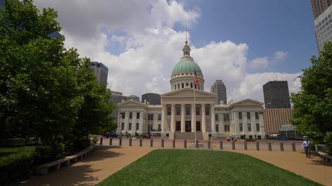 Old Courthouse St. Louis- SAINT LOUIS, USA - JUNE 19, 2019 Live Action