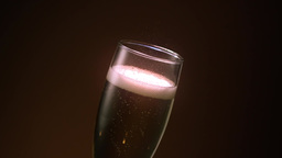 Champagne Flute Pour ビデオ