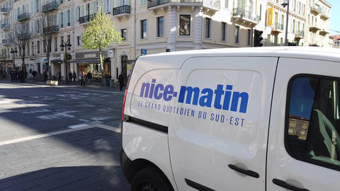 Delivery Van For The Daily Newspaper Nice-Matin ライブ動画