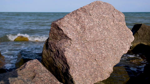 large stones on the Black Sea, Ukraine, Iron Port Acción en vivo