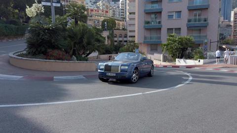 Rolls-Royce Phantom Drophead Coupe Live Action