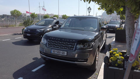 Range Rover SVAutobiography Footage