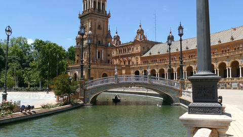 Plaza De Espana, Seville, romantic in boat Live Action