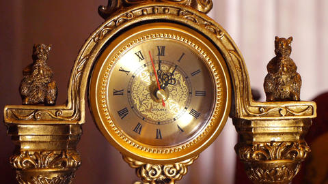 antique clock 1:00 Footage