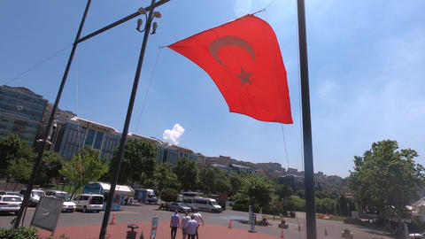 Display the Turkish flag Live Action