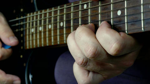 Playing guitar solo focus fretboard hands Live影片