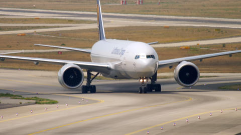 Boeing 777 taxiing after landing Footage