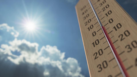 Outdoor thermometer reaches 15 fifteen degrees centigrade. Weather forecast Live Action