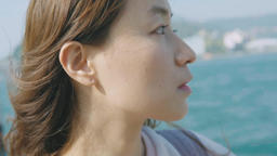 Young Woman Looking At Camera In Beach Live影片