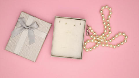 Present box with Pearl Necklace - Stop motion animation Animation