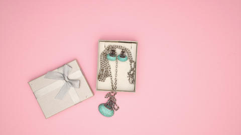 Present box with Necklace and Earrings - Stop motion animation Animation