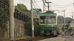 On the road side Enoshima Electric Railway/道路脇を走る江ノ島電鉄 Live Action