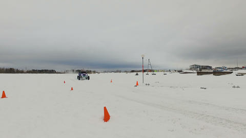 Winter off-road racing. Buggy race Live Action