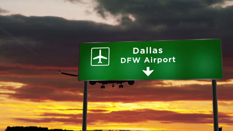 Plane landing in Dallas DFW airport Live Action