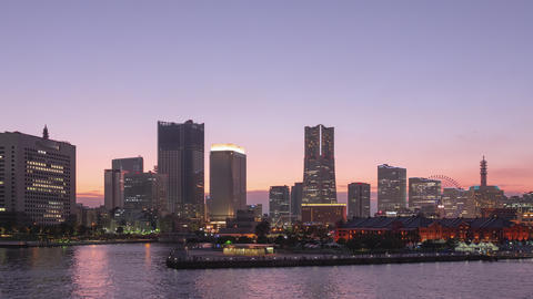 TimeLapse - View of Yokohama, Japan from day to night Minatomirai Pan Scroll left to right ライブ動画