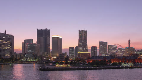 TimeLapse - View of Yokohama, Japan from day to night Minatomirai Zoom out Live Action