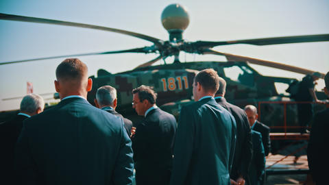 30 AUGUST 2019 MOSCOW, RUSSIA: an outdoors airplane exposition - businessmen in Footage
