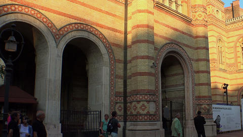 Jewish synagogue in the center of Budapest Live Action