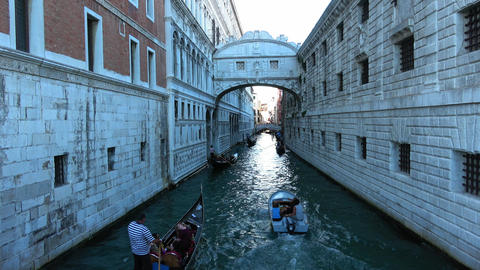 Famous Ponte dei Sospiri in Venice at Doge´s Palace Filmmaterial