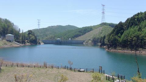 The dam where quantity of water decreased ビデオ