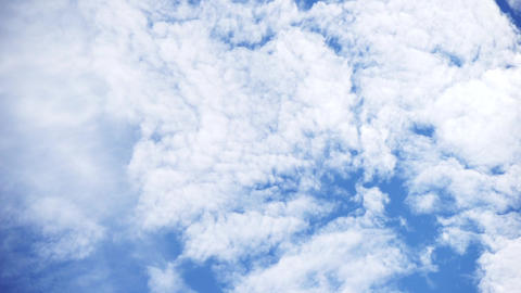 Fresh cloud of flow (blue sky, weather, high contrast) Live Action