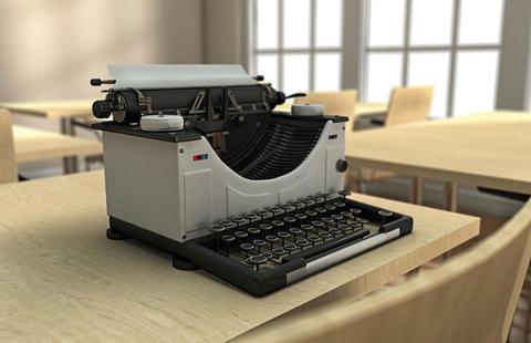 Typewriter on a desk Fotografía