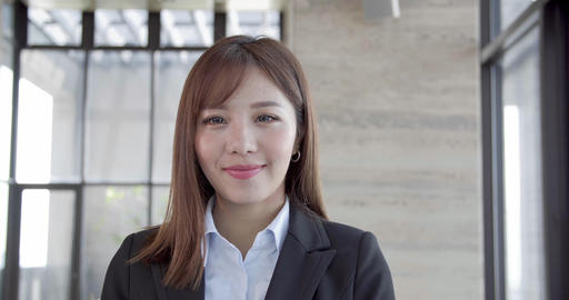 smiling Beautiful Business Woman in Office Live影片