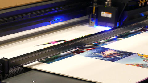 Printer head printing a large poster Live Action