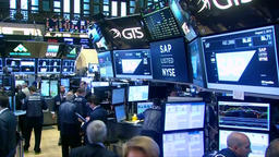 FLOOR OF THE NEW YORK STOCK EXCHANGE DEALERS INVESTING Footage
