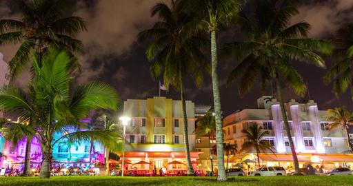 VIDEO LOOP SEAMLESS: Miami Beach, Art Deco District on Ocean Drive - Timelapse Footage