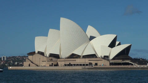 SYDNEY/AUSTRALIA - MAR 12 2016: Sydney Opera House Footage