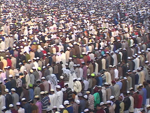 Thousands of Muslims pray at the Jama Masjid Mosque in... Stock Video Footage