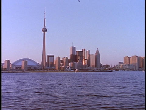 The CN Tower stands in the Toronto skyline Stock Video Footage