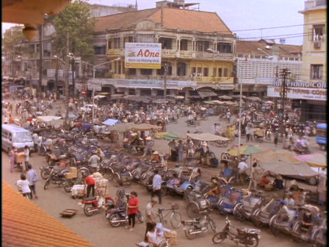 A large market in the district of Cholon, Saigon bustles... Stock Video Footage
