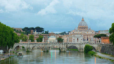 Time Lapse looking down River Tiber in Rome Italy at St Peter's Basilica in Vatican City ビデオ