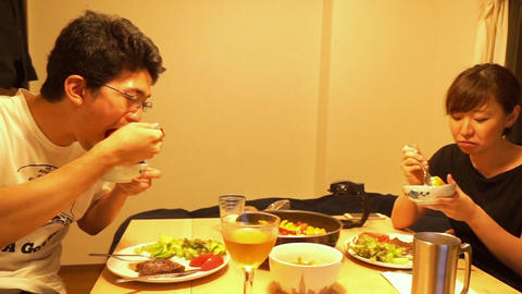 Men and women of the image to be a meal (dinner) ビデオ