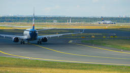 SunExpress Boeing 737 taxiing Footage