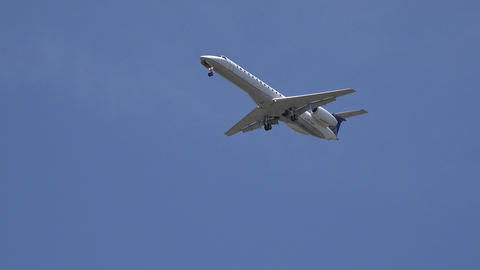 Passenger Jet Flying Overhead Live Action