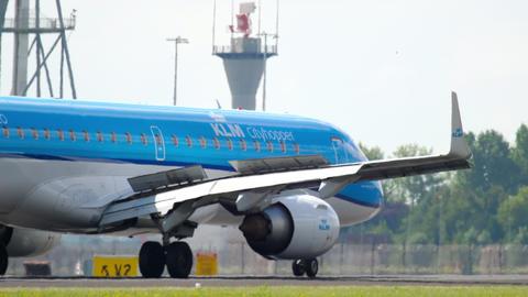 KLM Cityhopper Embraer 190 landing GIF