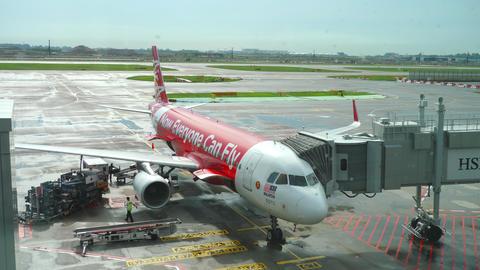 AirAsia Airbus 320 boarding Footage