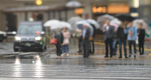Walking people at the downtown street in Shinagawa Tokyo rainy day ライブ動画