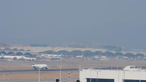 Airplane departure from International Airport, Hong Kong ビデオ