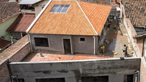 Cuenca, Ecuador - 2019-10-05 - Timelapse Construction - Paver Stone is Laid Over ビデオ